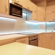 Colour splashbacks