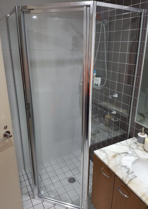Splayed Fully Framed Shower